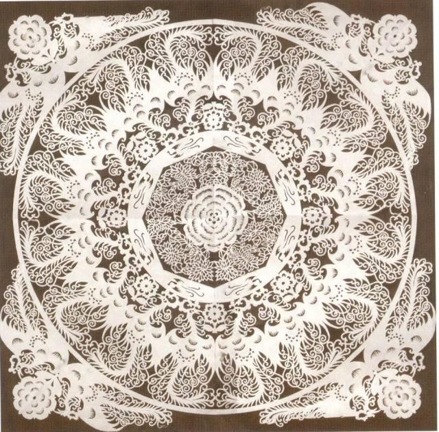 八折团花剪纸折法